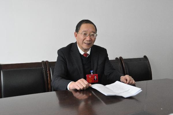 访洛南县政协主席张岳峰