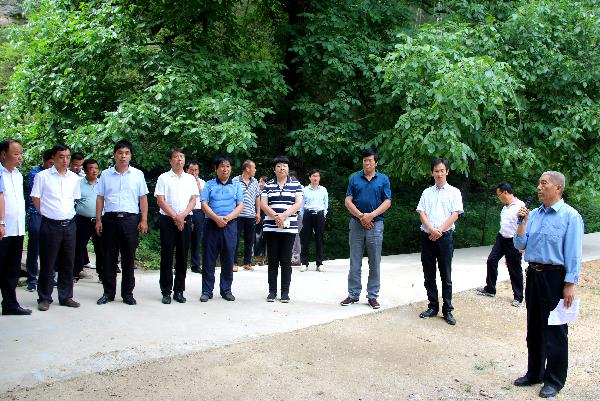古城镇组织政协委员视察脱贫攻坚问题整改工作